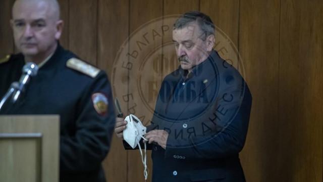 Проф. Кантарджиев пунтира Краси Радков