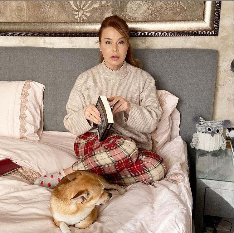 Мира Добрева показа с кого спи
